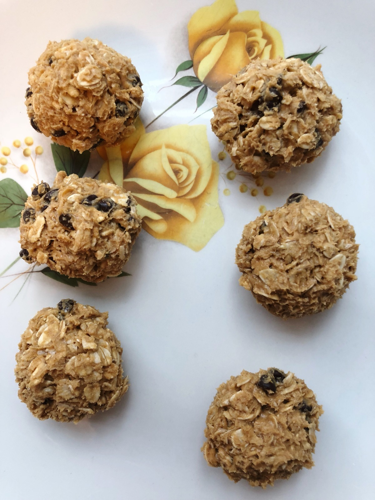 Lazy Chocolate Chip Energy Balls